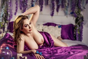 Lamiae cougar escort girl