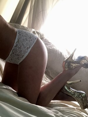 Nadette cougar incall escorts